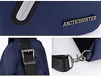 Городская сумка-рюкзак с одной лямкой через плечо и отверстием для наушников Arctic Hunter XB13006-A, 4л Синий, фото 5