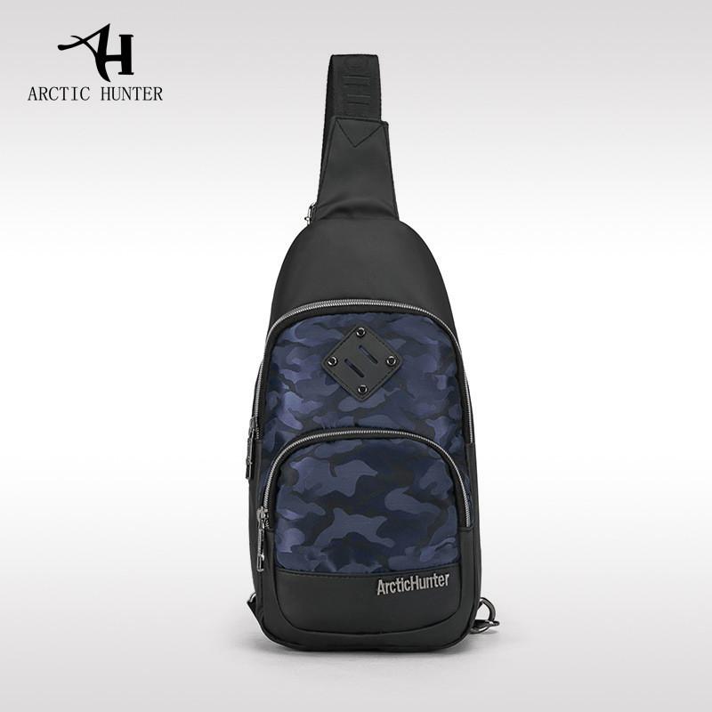Городская сумка-рюкзак с одной лямкой через плечо и отверстием для наушников Arctic Hunter XB00015, 4л Синий/камуфляж