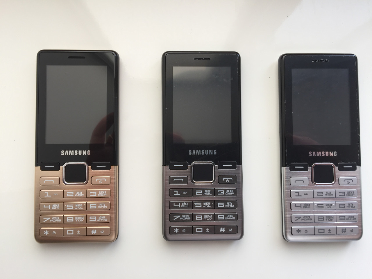 5d72389ac2341 Кнопочный телефон Samsung D3! На две сим карты! Все цвета! Отправка ...