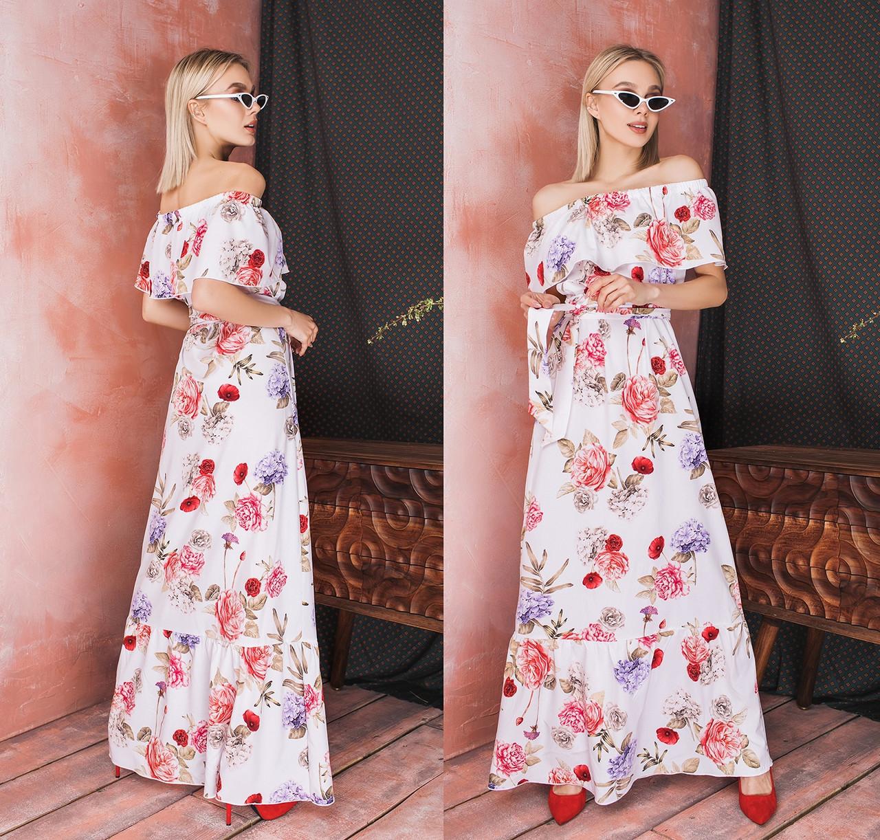 Длинное романтическое платье с открытыми плечами