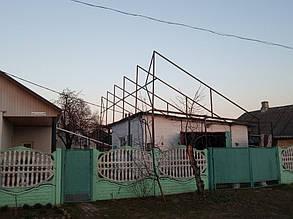 Вторая металлоконструкция расположена над гаражом.