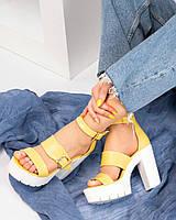 Босоножки  женские с ремешками желтые, фото 1