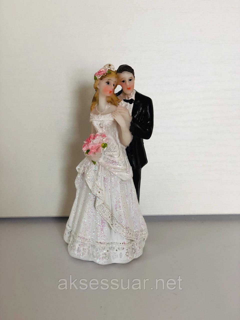 Фігурка на весільний торт