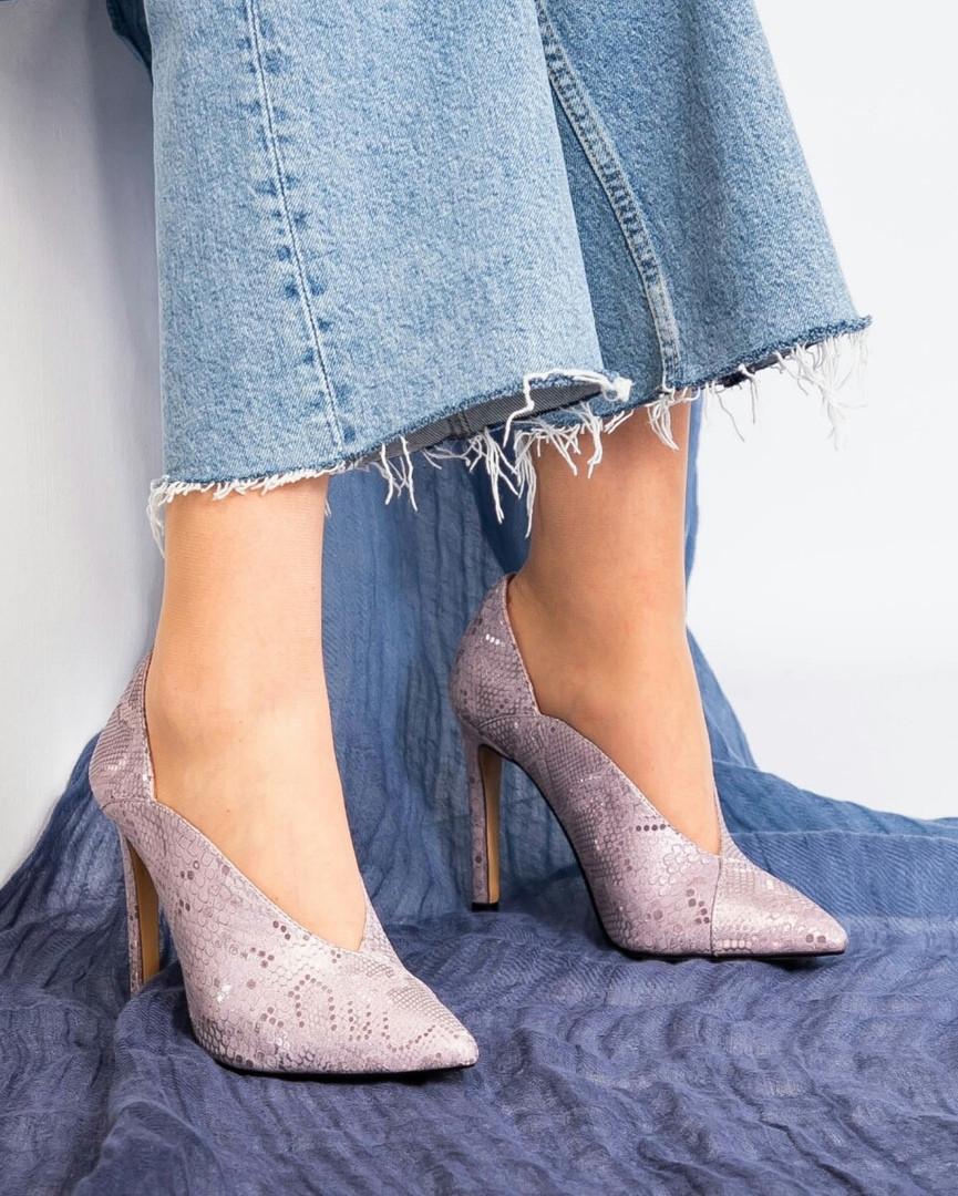 Туфли на высокой шпильке сиреневые