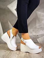 Женские кожаные белые босоножки на платформе Emilis, фото 1