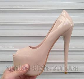 Туфли-французы Лабуте$ Loubouti$ с открытым носком лаковые светлый беж Код 168-3