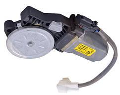 Мотор стеклоподъемника Авео (ориг) передний правый DONGYANG (под шестеренку, металл), 96879740