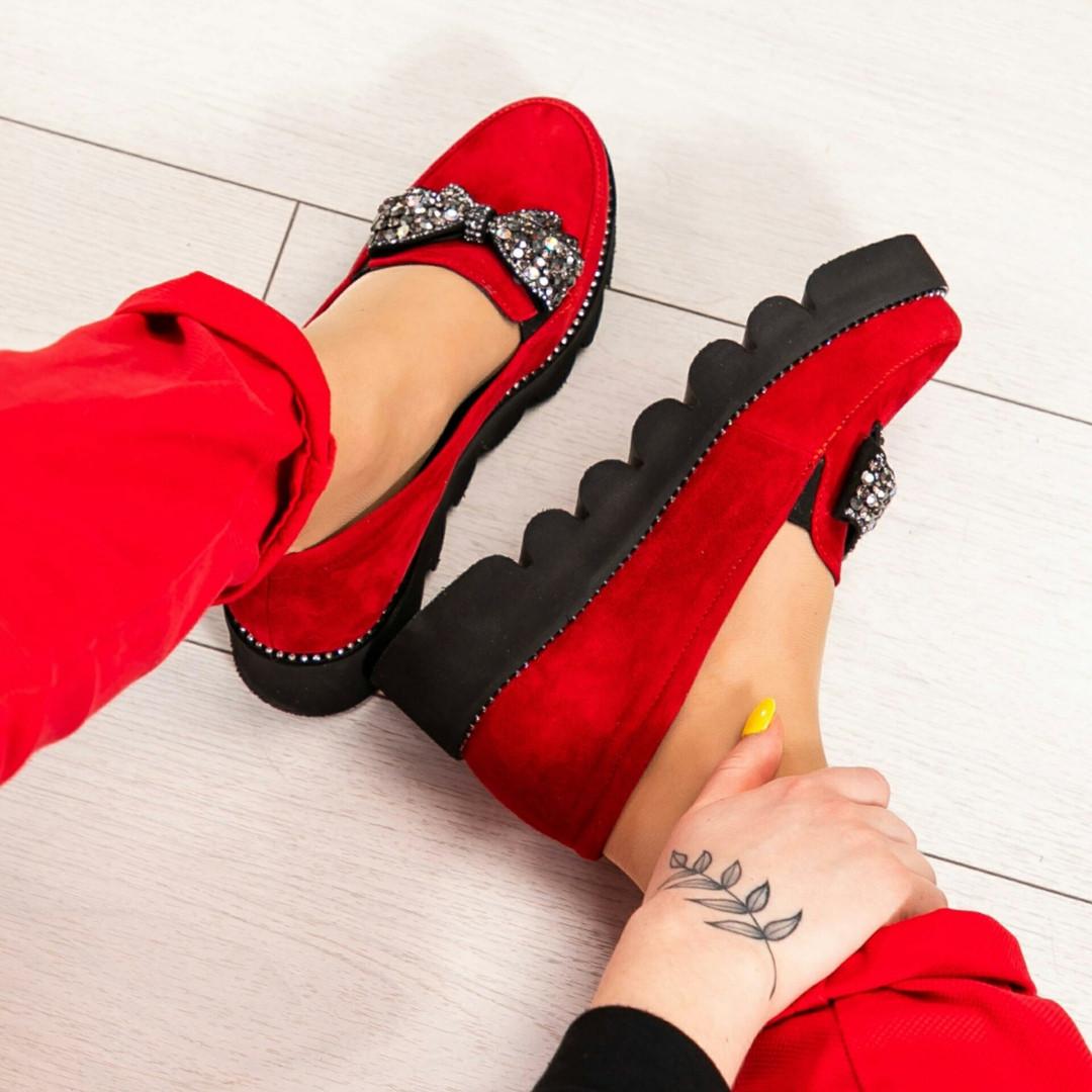 Туфли женские с бантом в камнях красные
