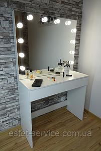 Рабочее место с подсветкой и лампами в зеркале на 1 шухляду