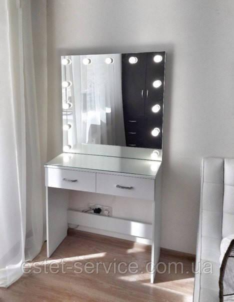 Гримерный столик с лампами в зеркале