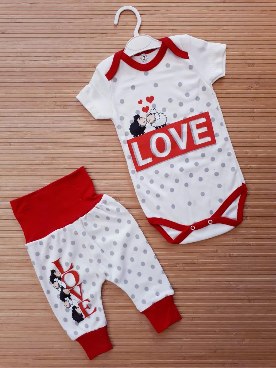 "Детский набор  боди с коротким рукавом  +штанишки  на девочку  "" LOVE "" 3-9"