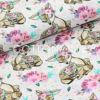 Хлопковая ткань Олени розочки на бледно-розовом