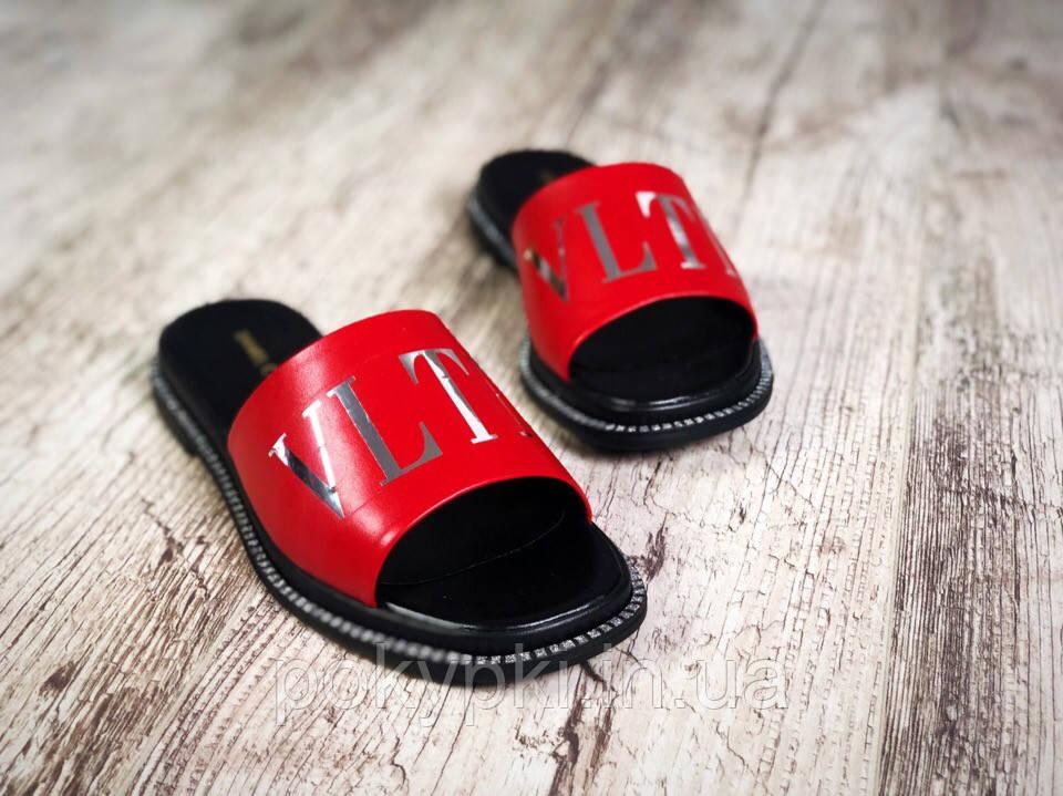 f62456d1a Повседневные женские шлепанцы из натуральной кожи красные на черный подошве,  стильная летняя женская обувь -