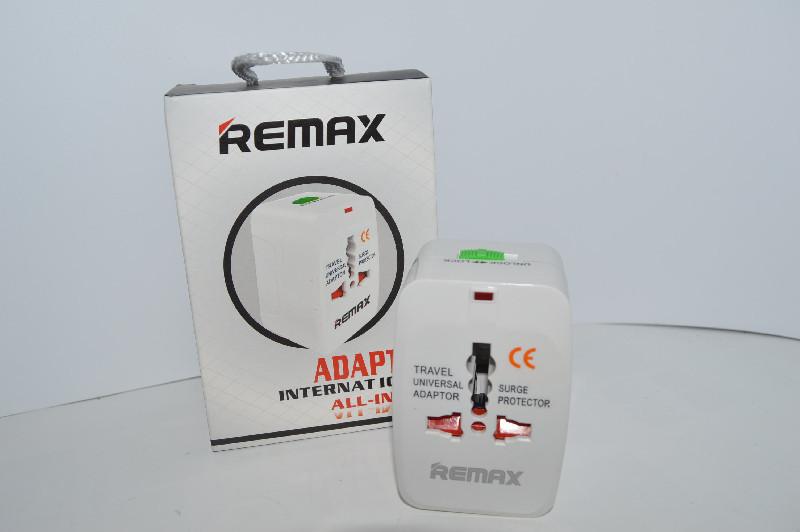 СЗУ адаптер 220V универсальный REMAX