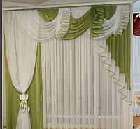Красивые шторы с ламбрекеном для балконной двери