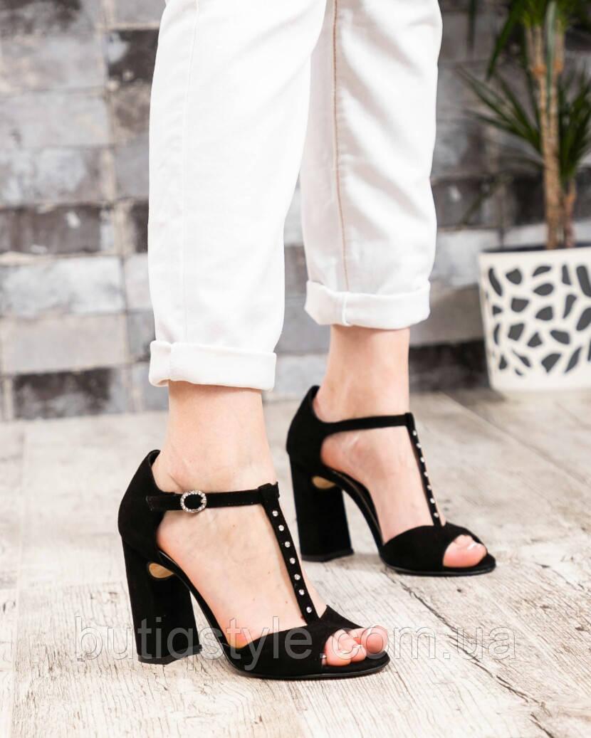 Женские черные босоножки на каблуке натуральный велюр