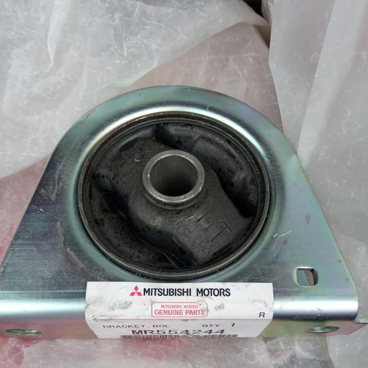 Опора двигателя передняя MR554244 Lancer IX 1.6 (МКПП) ручная коробка