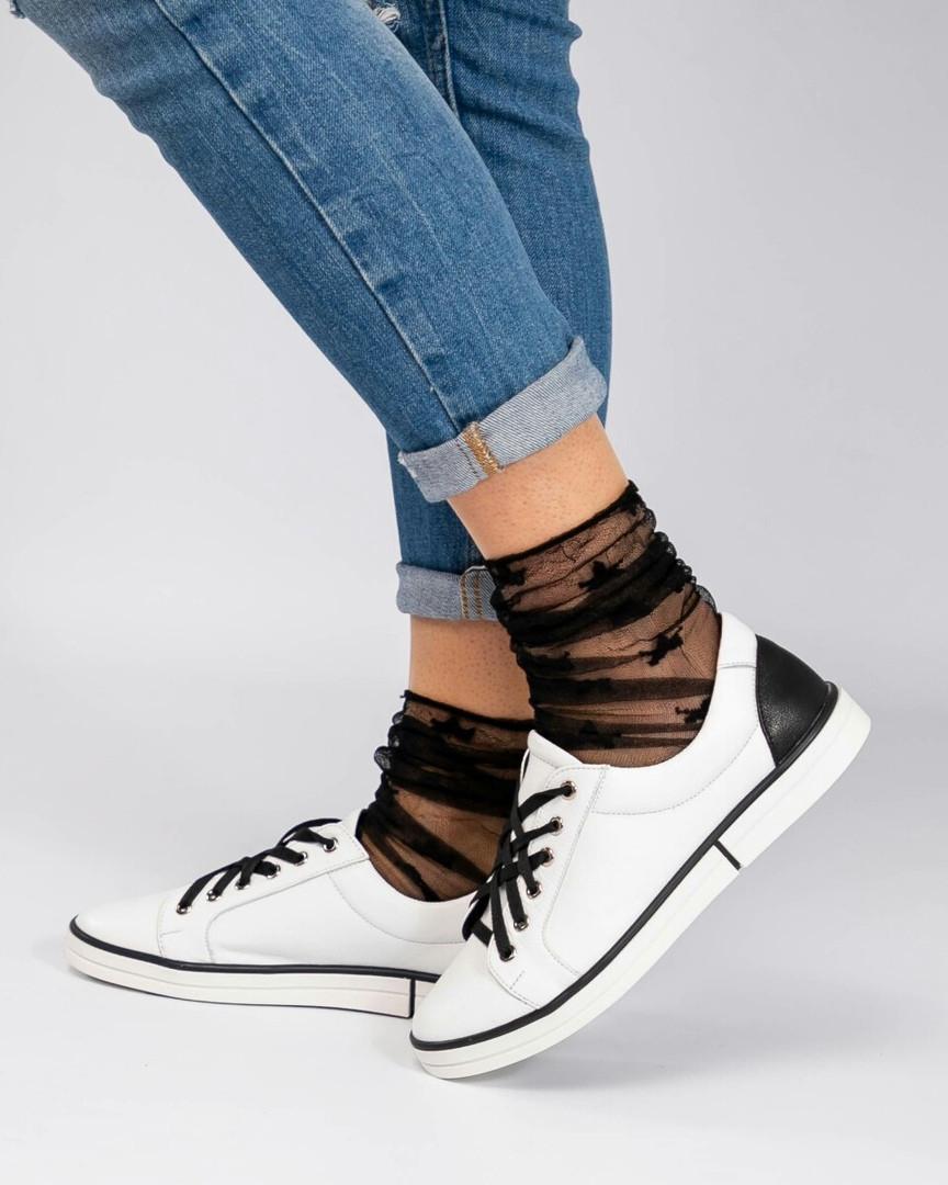 Стильные кеды женские счерные шнурками