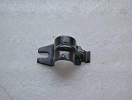 Скоба крепления втулки стабилизатора переднего Нубира 96311742-GM