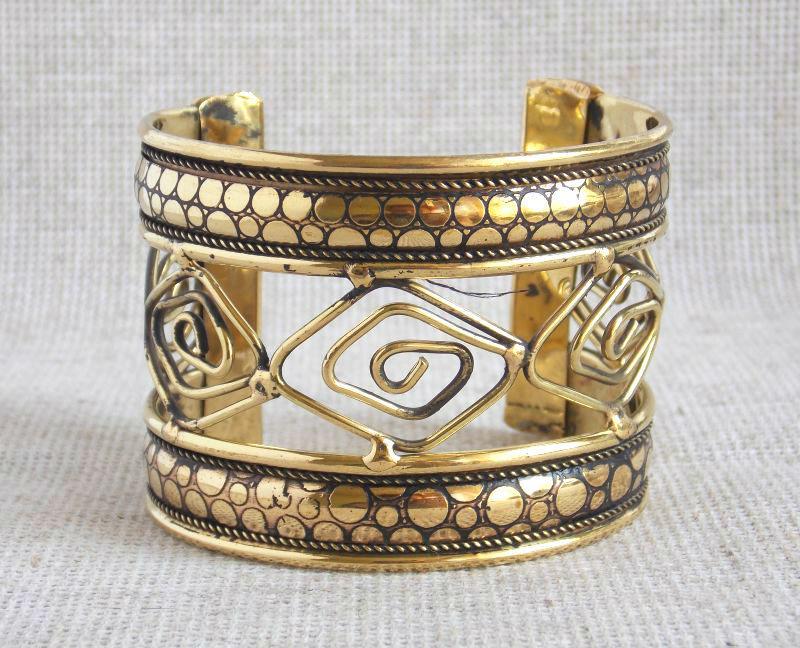 Ажурный индийский женский браслет на руку под золото