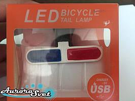 Задний фонарь для велосипеда красно-синий.
