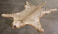 Шкура леопарда, ковер из леопарда, леопардовые шкуры