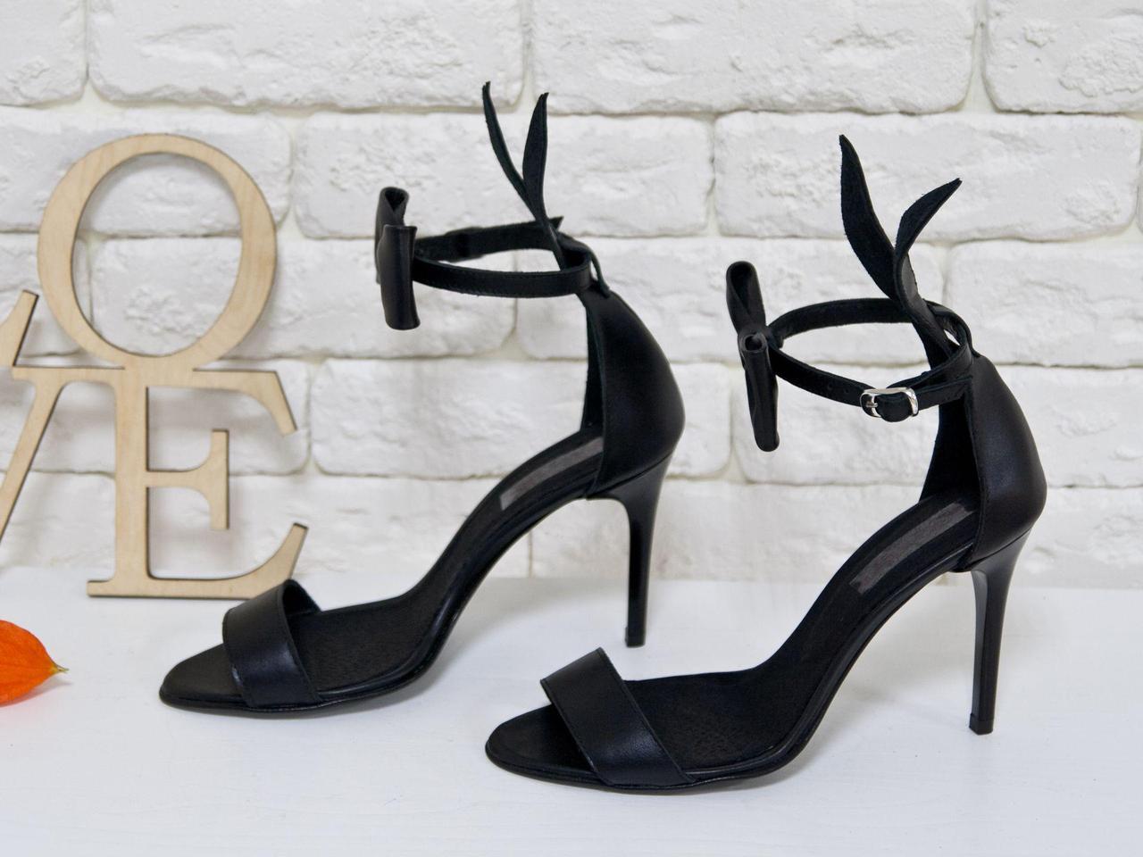 """Босоножки с ушками """"Bunny"""" из натуральной кожи черного цвета, на каблуке-шпилька"""