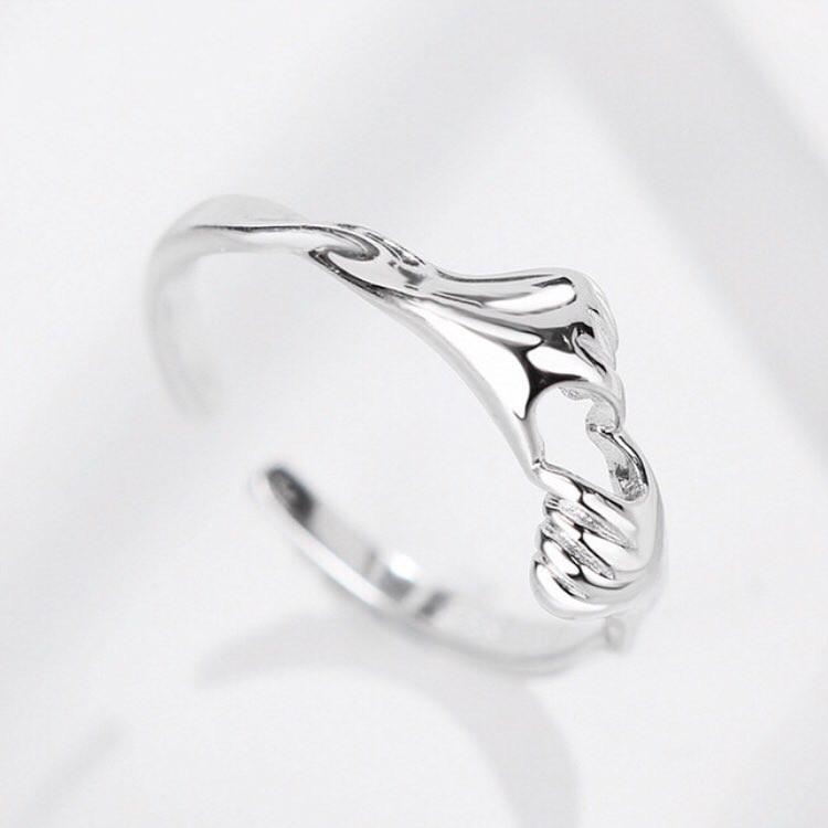 """Серебряное кольцо без вставок """"Love"""""""