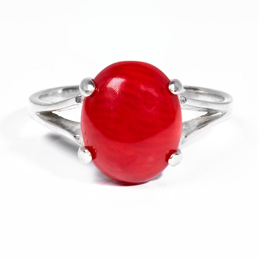 Кольцо из серебра с красным кораллом, 12*10 мм., 1066КЦК