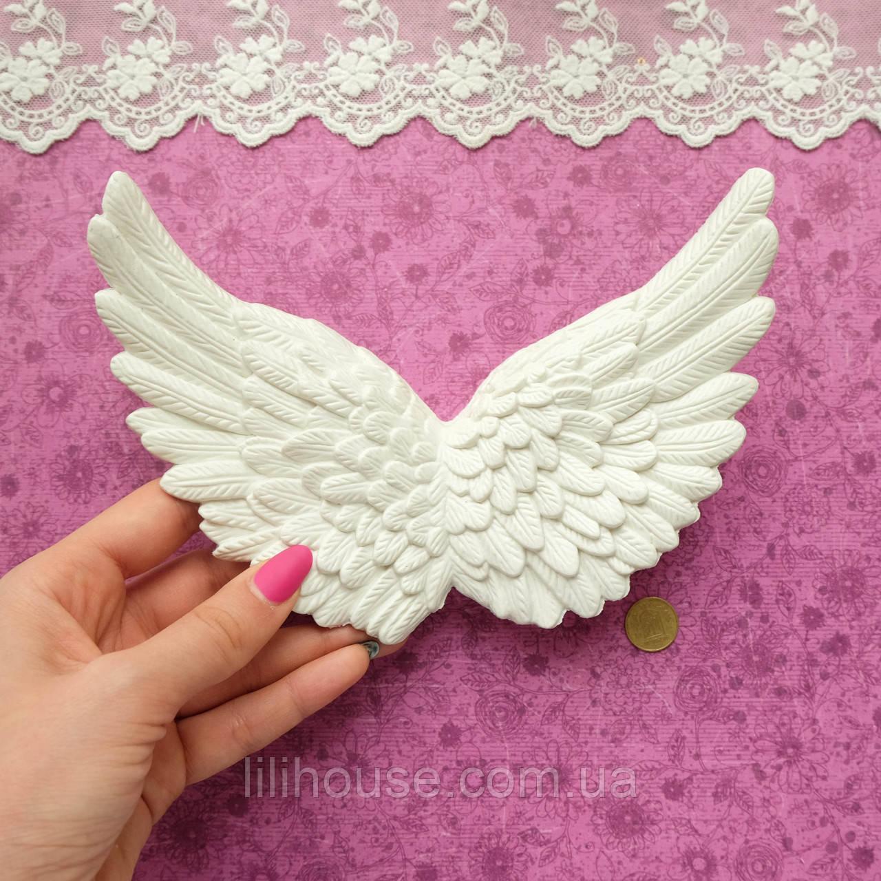 Крылья серо-белые, 18*12.5*3 см