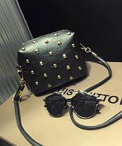 Женская сумка Черная среднего размера Сумочка Goldcask с заклёпками. Длинная ручка. Жіноча сумка. Довгі ручки., фото 3
