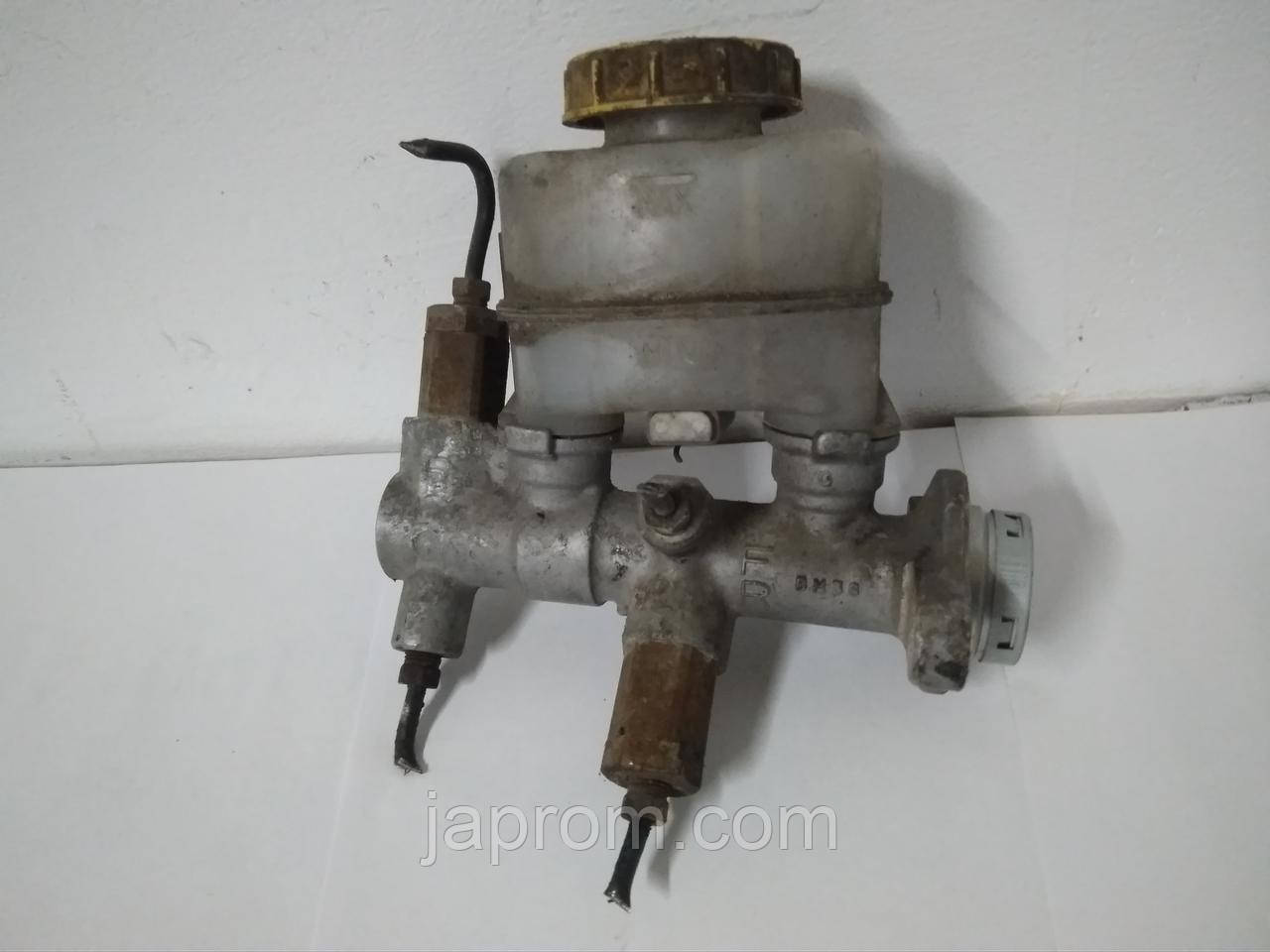 Главный тормозной цилиндр Nissan Almera N15 1990-95 г.в.