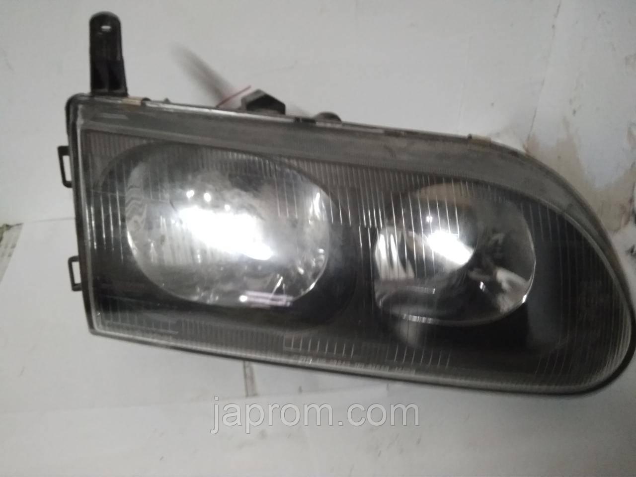 Фара передняя правая Mitsubishi L400 Koito 110-87246 110-87245