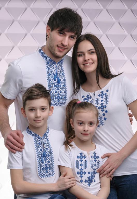 Набор трикотажных вышиванок для всей семьи