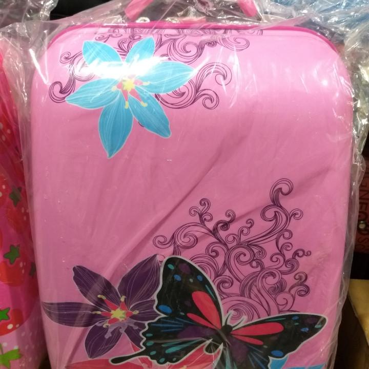 Детский чемодан для девочки