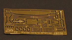 Набор деталировки для модели БТР-70 и БТР-80. Шанцевый инструмент. 1/35 VMODELS 35009