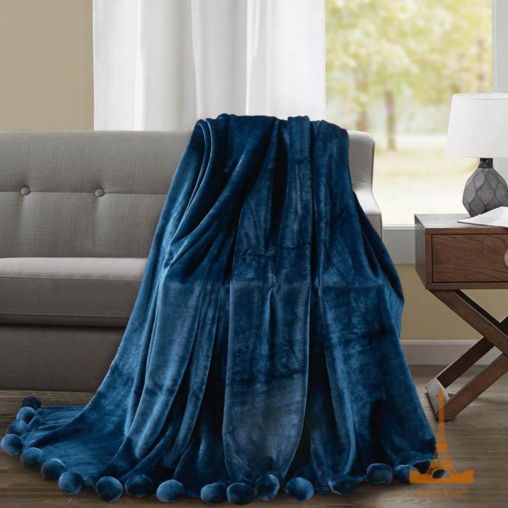 Плед покрывало 200х220 плюшевый с бубонами синий