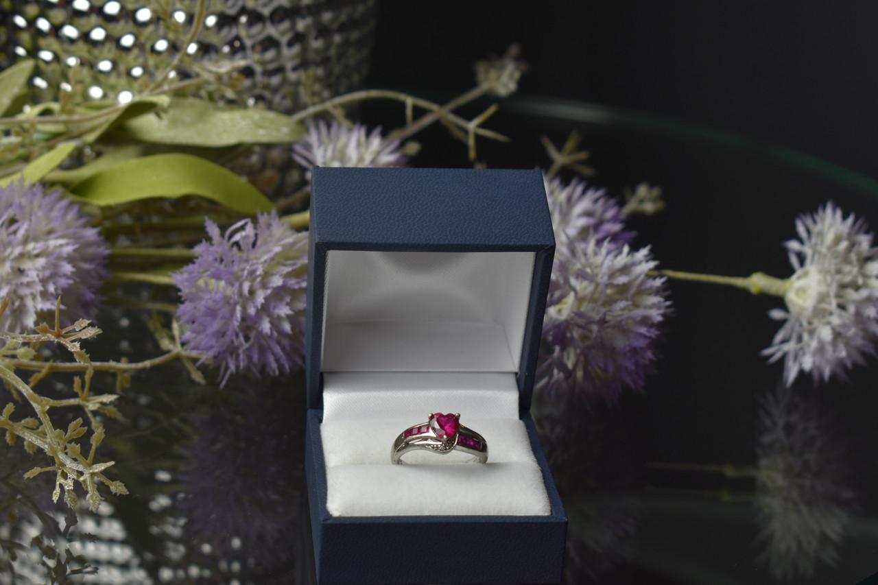 Серебряное кольцо 925 пробы с Розовым Топазом