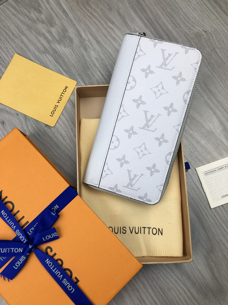 Красивый бумажник Louis Vuitton белый Женский кожа Портмоне кошелек Трендовый VIP Луи Виттон реплика