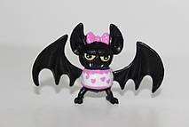 Питомец Дракулауры – черная летучая мышь по имени Граф Великолепный (Count Fabulous)