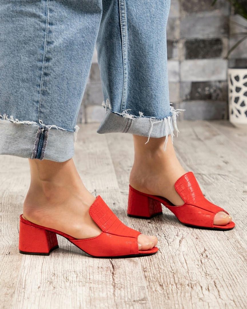 Мюли на каблуке красные