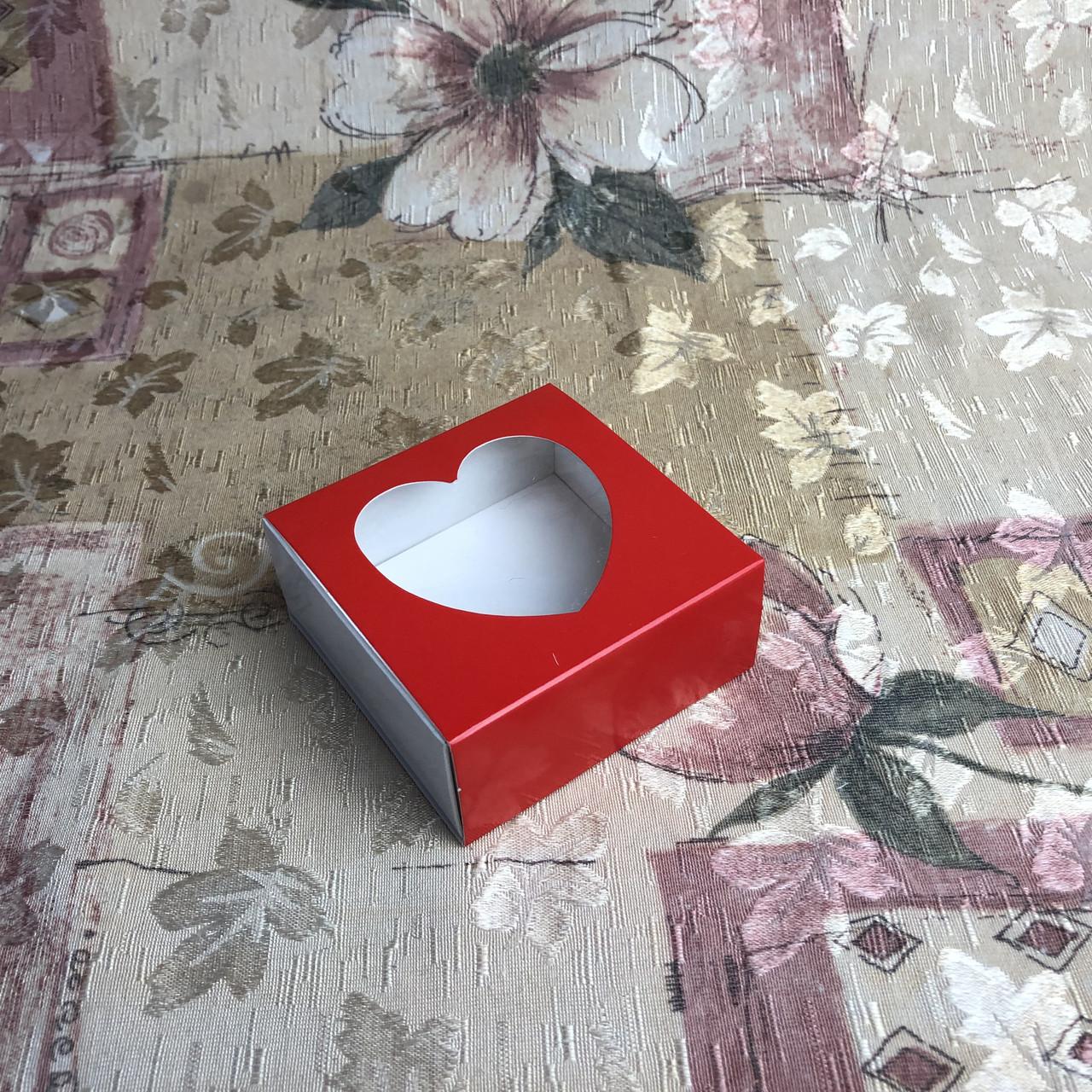 Коробка для пряников / 80х80х35 мм / печать-Красн / окно-СЕРДЦЕ