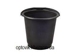 Ведро 10л чёрное хозяйственное прорезиненное с пластиковой ручкой.