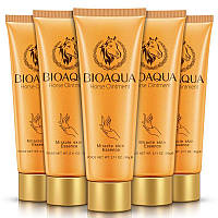 Крем для рук с лошадиным жиром Bioaqua Horse Ointment Mirracle Skin Essence