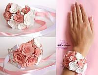 """""""Бело-персиковые розы"""" авторский браслет на руку с цветами"""