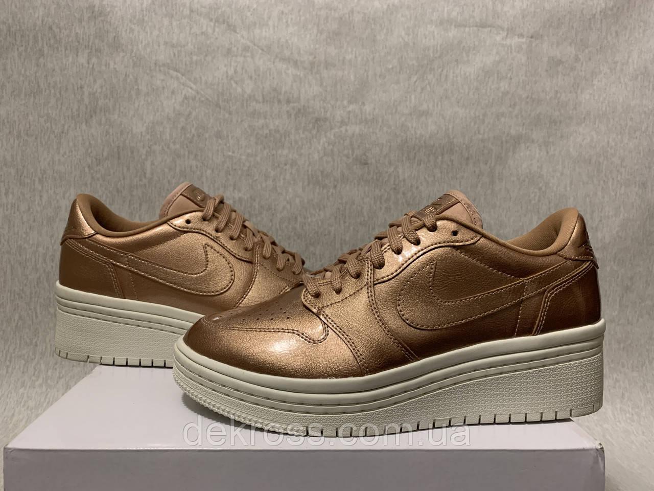 Кросівки Nike Air Jordan 1 Retro Low NS (40.5) Оригінал AO1334-901