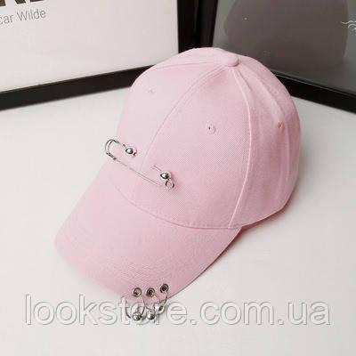 Женская летняя кепка с булавкой и колечками розовая