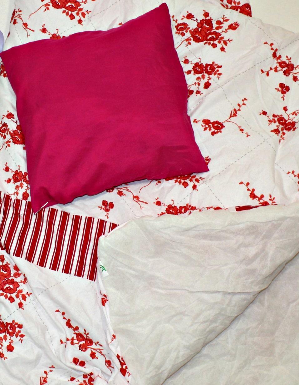 Секонд хенд Домашний обиход Экстра подушки одеяла пледы Польша Оптом от 25 кг