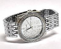 Часы на браслете 190007