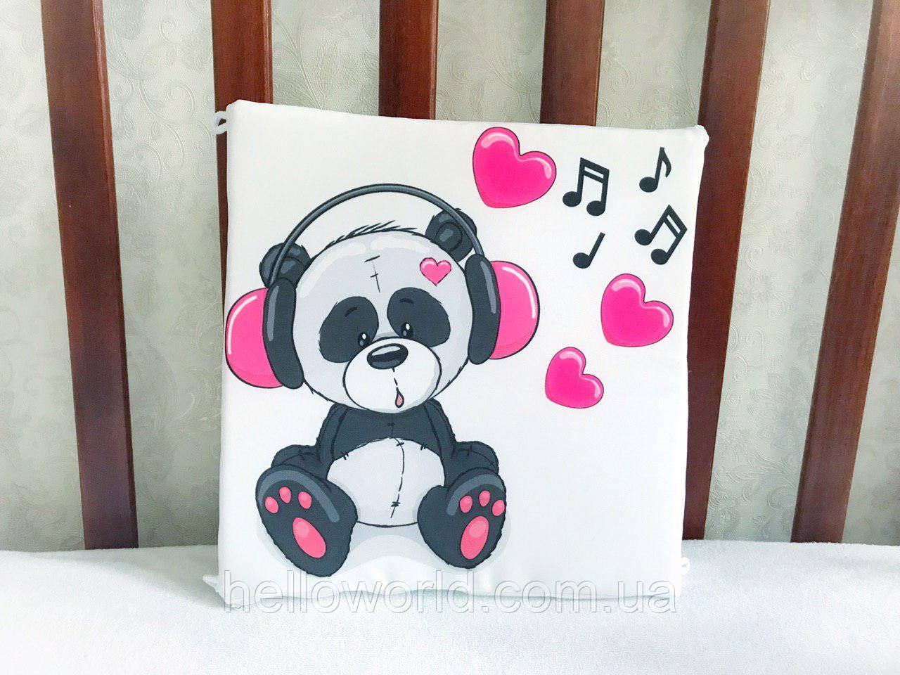 Бортик Панда с розовыми наушниками